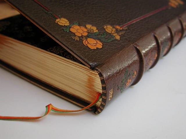 Books bound in Siegel leather